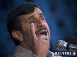 Ahmadínedžádov prejav bol plný nenávisti proti všetkým demokratom, američanom aj židom. My v Kasse si myslíme, že svet by mal byť na pozore pred iránskym jadrovým programom a Joseph G. každou nocou očakáva, kedy izraelské stíhačky prečistia trošku ropné polia Iránu a prľahlú jadrovú elektráreň vyrábajúcu palivo pre mierové energetické účely Iránskej islamskej republiky